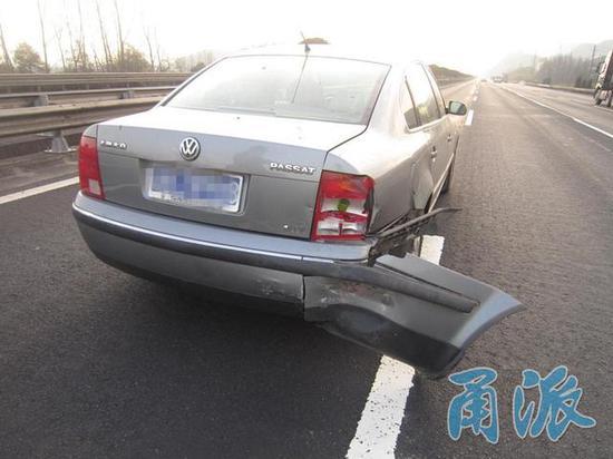 杭甬高速发生两车追尾