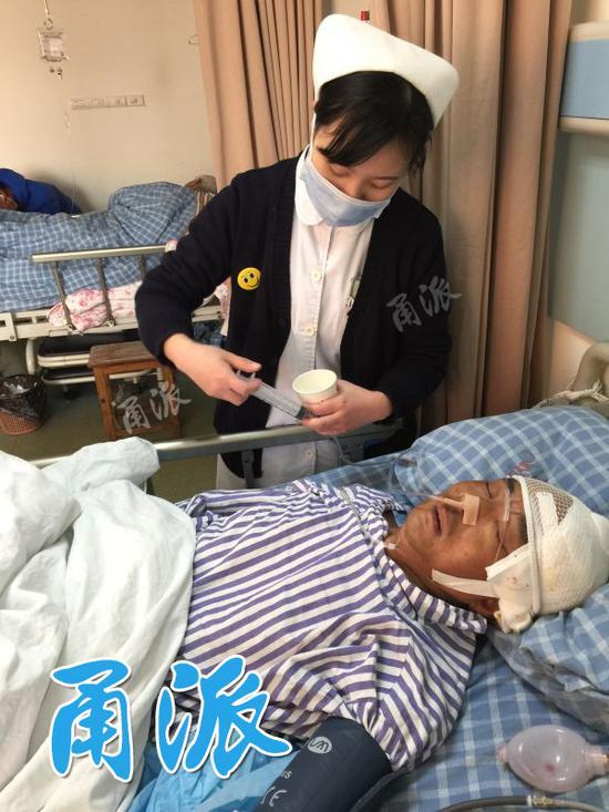 无名氏男子宁波街头倒地昏迷不醒 一个月后奇迹出现
