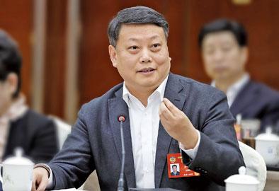 唐一军委员表示,宁波要走出一条具有示范意义的高水平全面建成小康社会之路。