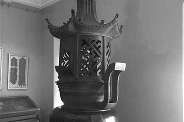宁波游客在俄发现宁波帮字样香炉 其来历还是个谜