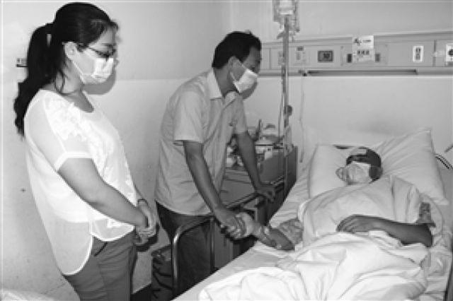 宁波一公交司机突患白血病同事组团去上海为他献血