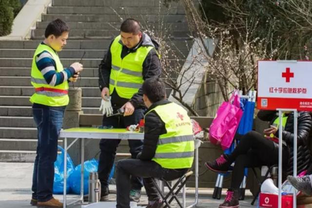 北仑志愿者举动暖人心 加速推动节假日文明旅游