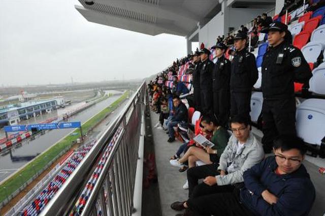 宁波国际赛道开路 赛车手为中国石化沥青点赞
