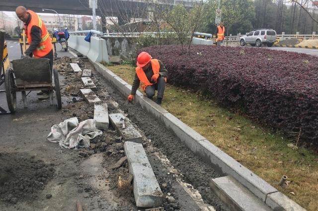 海曙为改善市民出行环境 市政启动桥头跳车专项治理
