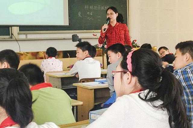 宁波教师晒学生作文篇篇爆款 更想做优秀老师