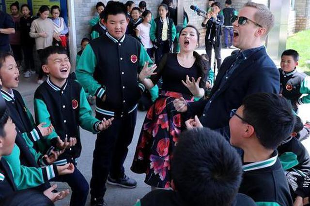 宁波一所学校厉害了 请来百老汇一线演员指导学生