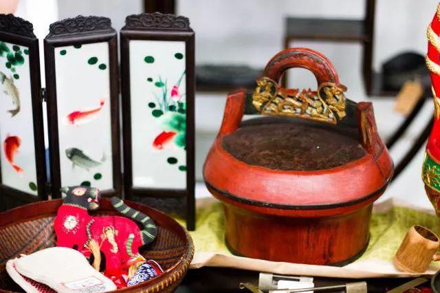 家训解读传家宝展览 镇中与双语小学办了个传家展
