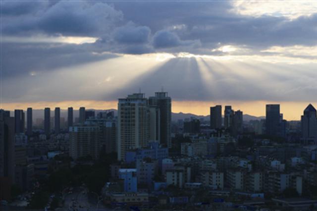 宁波入伏避开高温迎来蓝天白云 周末有降雨和大风天气