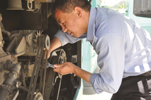致敬宁波高温下的劳动者 用汗水和坚守来诠释责任