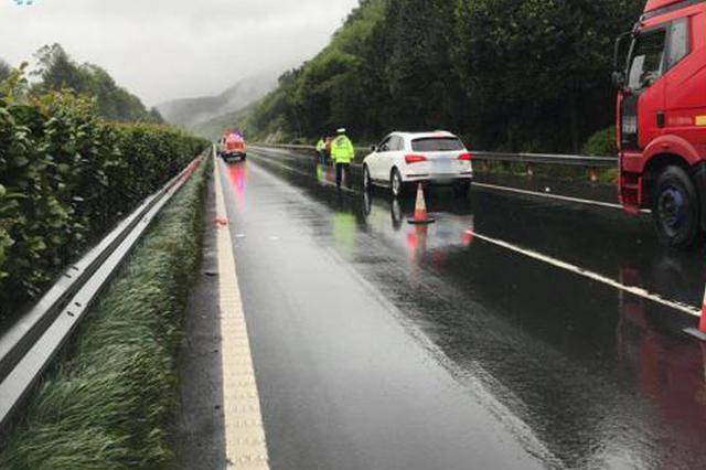 台风山竹袭来 宁波高速上打滑事故频发