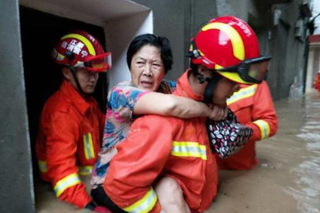 昨日象山石浦内涝水深1米多 消防紧急救援
