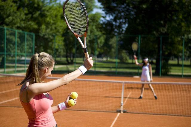 20年前宁波打网球得花1个半月工资 如今已成大众消费