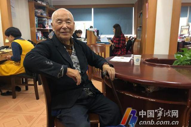 记者节来了 听海曙老人回顾50多年前战地记者生涯