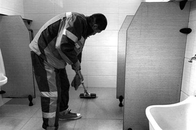 保洁员离岗一小时宁波公厕会变成什么样子 来看这实验