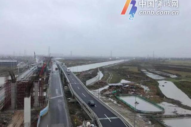 机场快速路南延工程提速 跨县江东侧人非保通桥建成通车