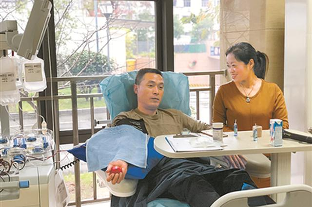 几乎每月来血站报到 宁波献血夫妻用爱心为生命护航