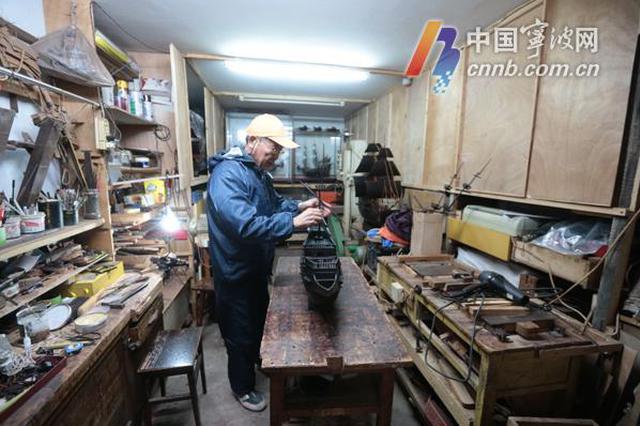 宁波七旬老人痴情西班牙战舰模型 每道工序亲手完成