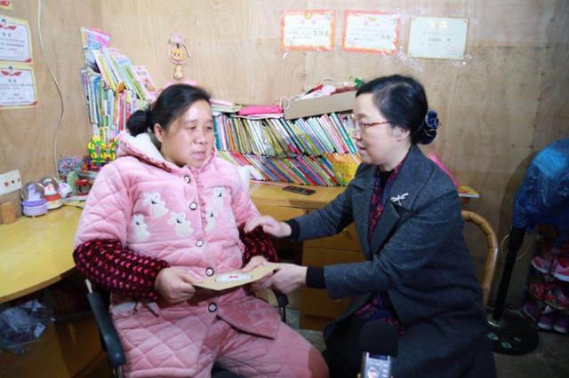 宁波红十字博爱送万家 180多万元慰问款物温暖甬城