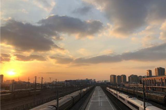宁波铁路调车组的除夕夜:穿针引线护卫列车安全