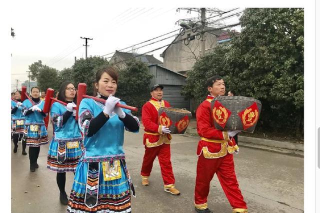 第二届向全村村民拜年的巡游在庙戴村拉开帷幕