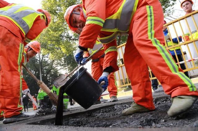 鄞州1坑1策消坑行动已修复坑洞1150处 面积5800余平米