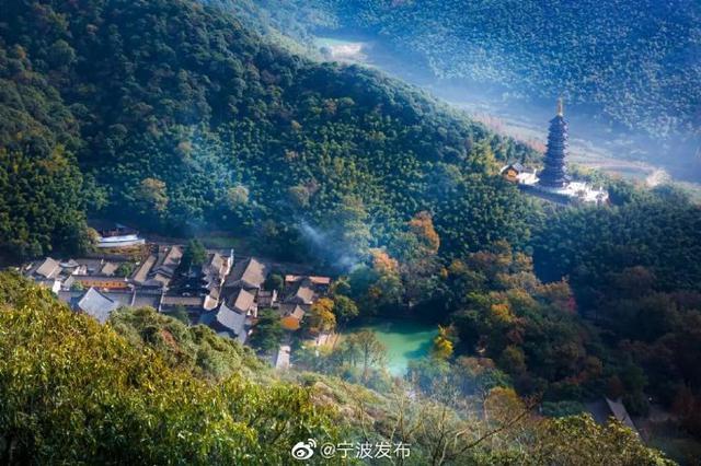 甬纪录片《天童寺》举行首映礼 于央视科教频道首播