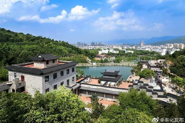 奉化弥勒文化园收藏3000多尊弥勒 大的高达5米