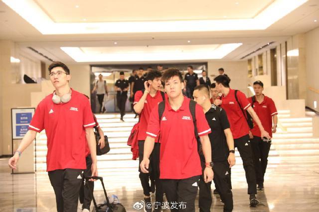 中国男排抵达北仑 世界男排联赛6月7日开打