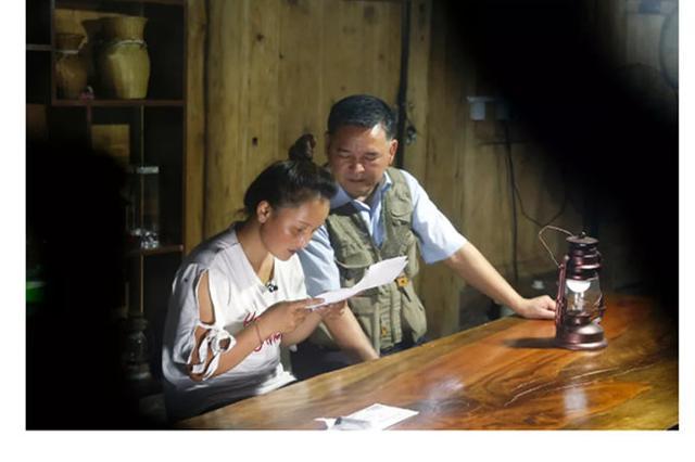 万人助学行动 宁波共享爸爸和贵州女儿故事感动世人