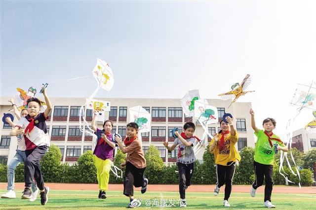 宁波古林镇举办制风筝倡风正主题活动 放飞廉洁风筝