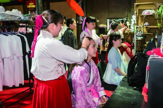 日本粉丝团来象寻迹 象山影视城蓄势掘金海外市场