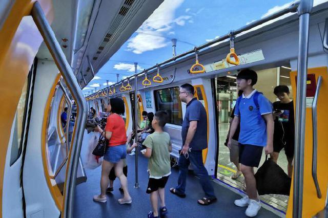 宁波3号线一期首日线网总客流大幅增长 达61.5万人次