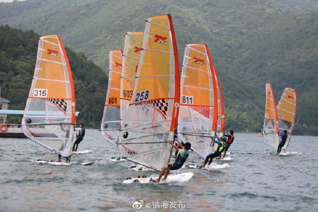 浙江省青少年帆船锦标赛在镇海开赛 共享体育盛会