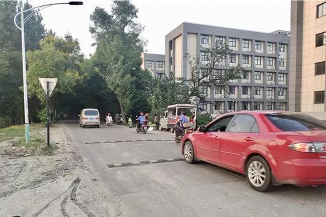 杭州一对拾荒母子被车撞飞 肇事司机逃跑后被抓回