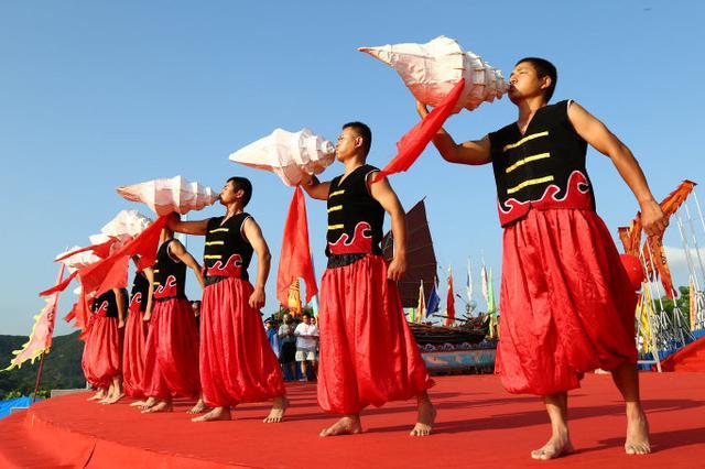 再现渔家古老典礼 象山举行开渔节祭海仪式