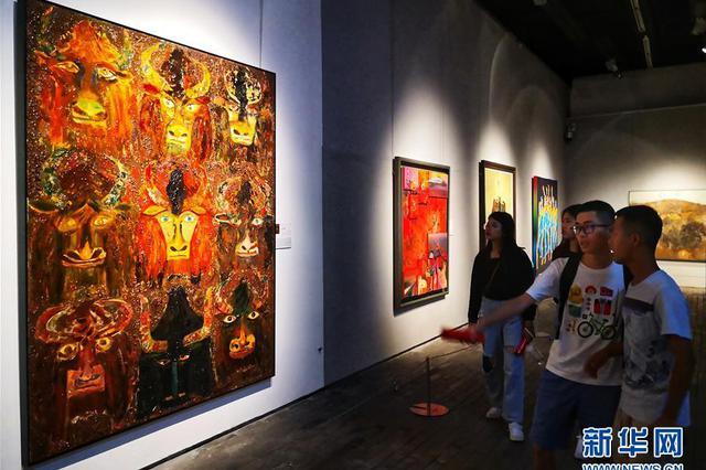 宁波举办全国美展综合材料绘画展 共展出293幅作品