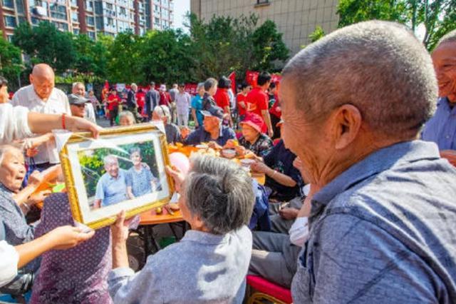 宁波户籍老年人口比例达四分之一 重阳节多陪陪爸妈