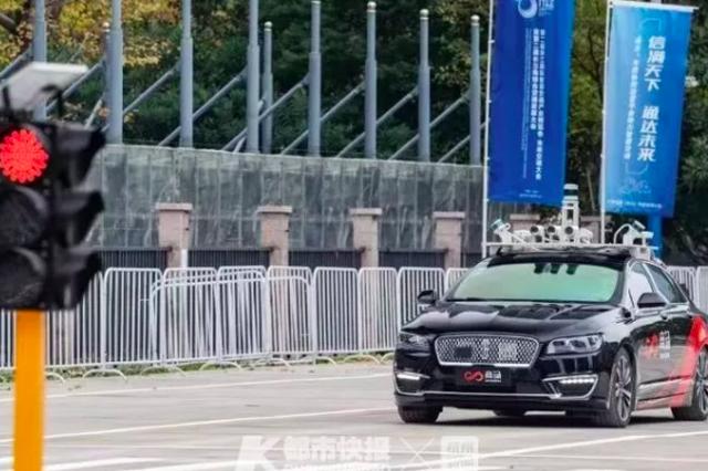 方向盘自己会打转 杭州路上跑的无人测试车越来越多