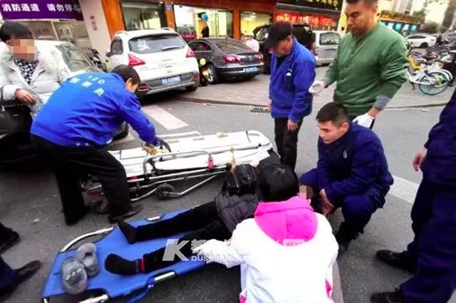 8秒冲出了10个消防员 杭大路发生车祸史上最快出警