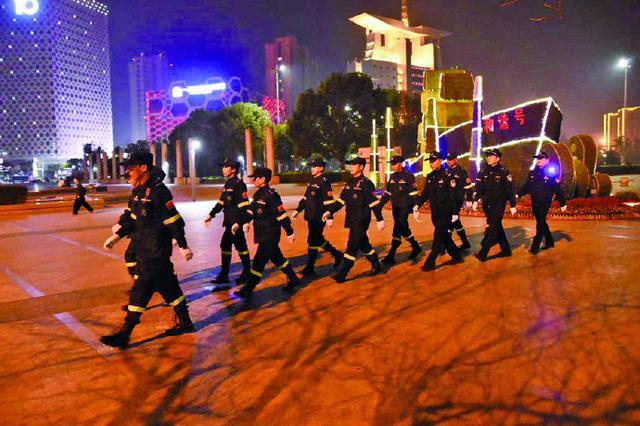象山派出所联合救援队夜间巡逻 守卫平安春节