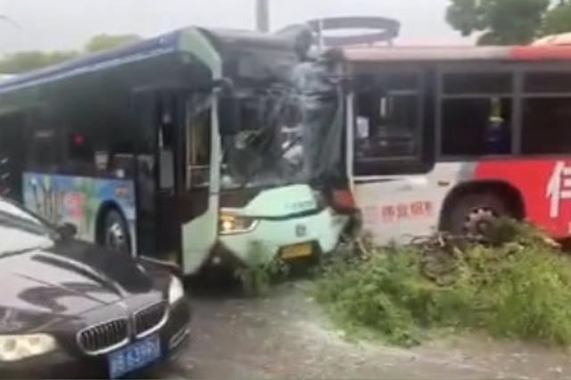 海曙两辆公交车相撞 一乘客以危害公共安全罪获刑4年