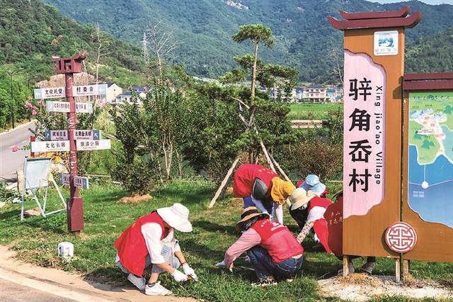 象山开展环境卫生整治 用红色动能靓化海岸线面貌