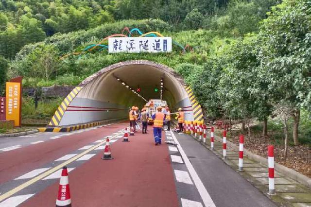 海曙开展隧道专业清洗工作 进一步提升辖区隧道环境