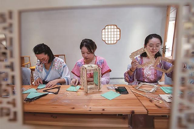 象山举行品味中秋民俗活动 共同传承中秋节日文化