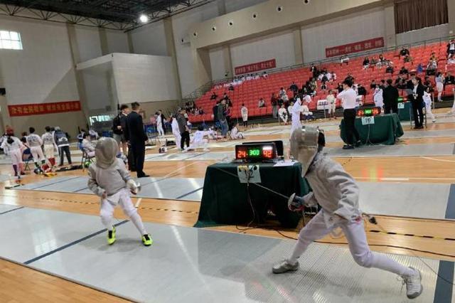 宁波青少年击剑锦标赛落幕 北仑击剑队勇夺4枚金牌