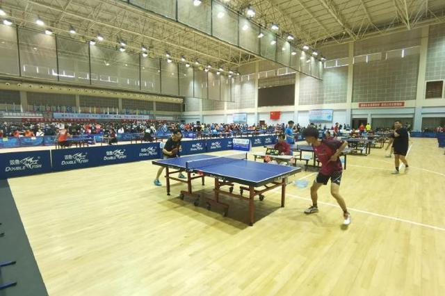 北仑举行省大学生乒乓球锦标赛 吸引了73支队伍参加