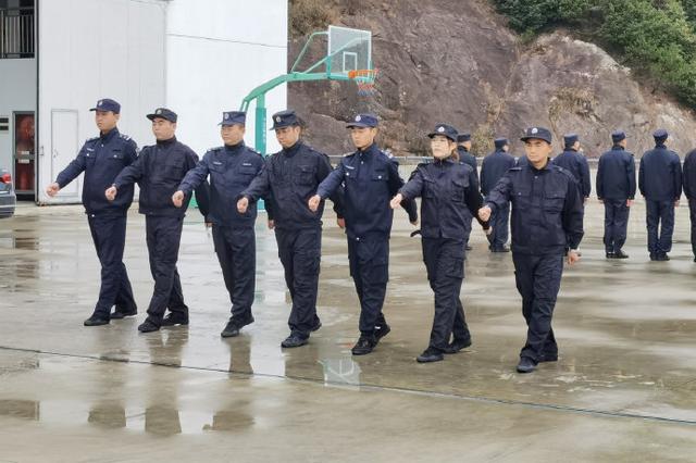 象山执法队开展军训大练兵 适应渔区渔民管理新要求