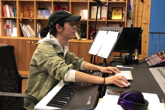 镇海发布原创贵州扶贫歌曲《亲》 由本土女诗人作词
