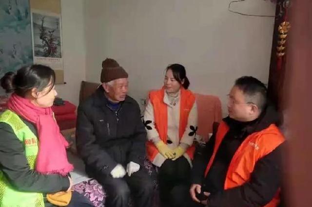 象山志愿者慰问困境家庭和高龄老人 送去冬日的温暖