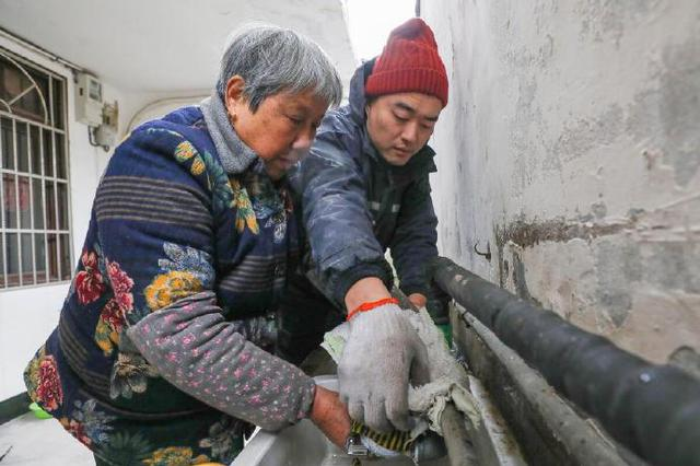 海曙组建自来水管维修队 让村民暖心又安心地过冬